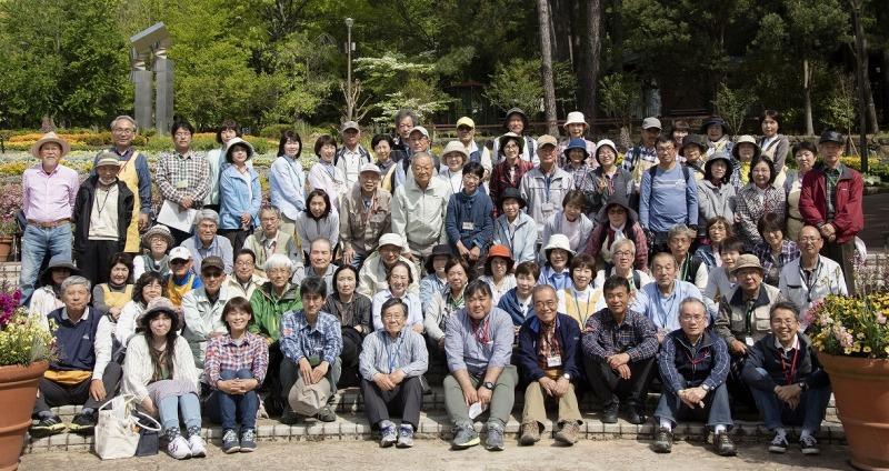 2018年4月26日(木) 第9回通常社員総会後の集合写真
