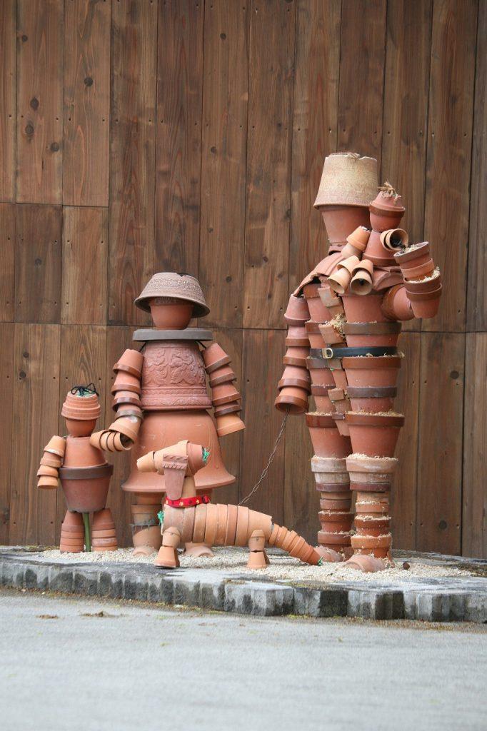 設置時の家族の像